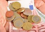 banknoty, monety, osczędności i długi